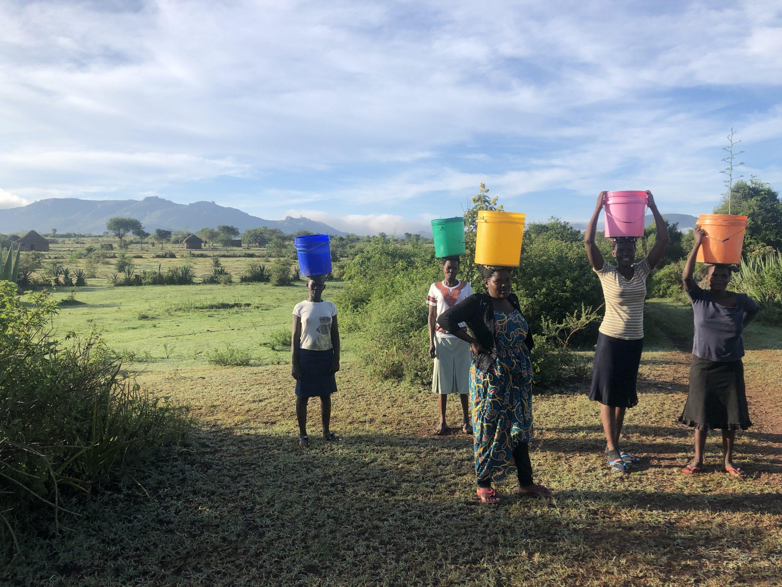 women carrying water2